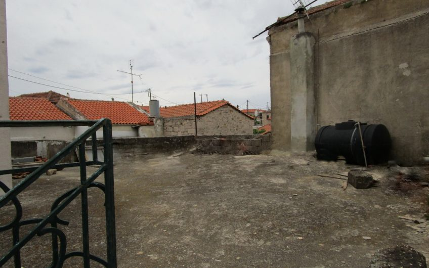 house for sale polichnitos