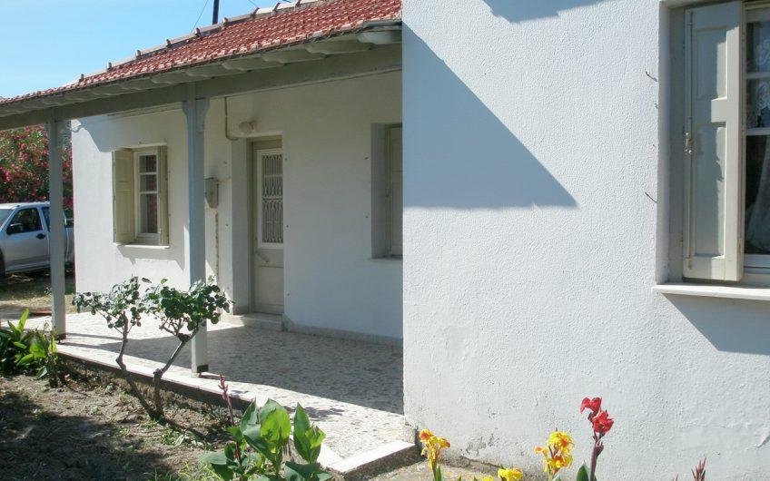 Seaside bungalow for sale in Nyfida