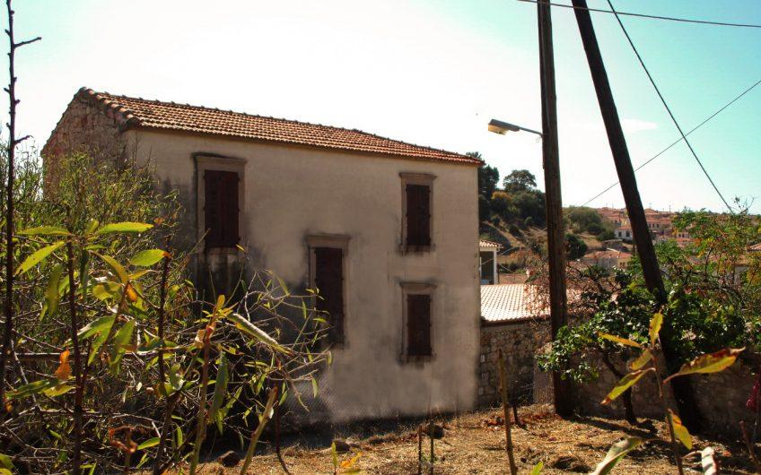 House for sale and renovation Polichnitos
