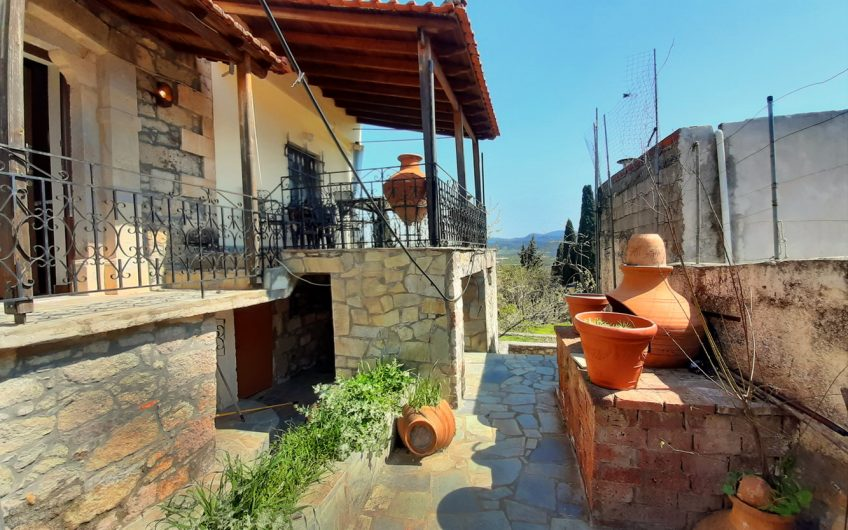 House for sale in Polichnitos