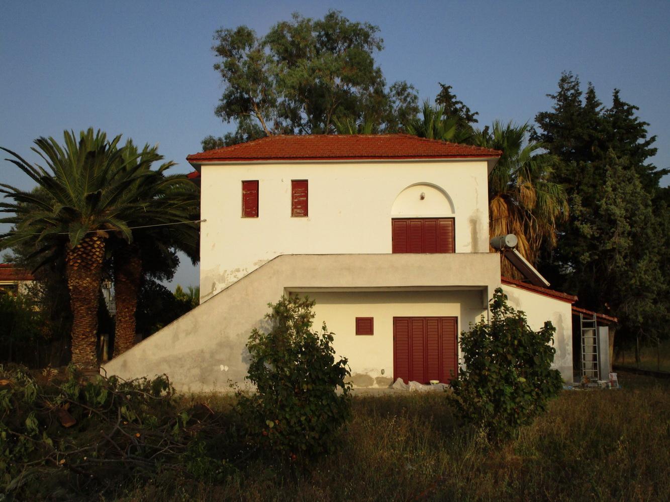 Luxurious villa for sale Skala Polichnitou